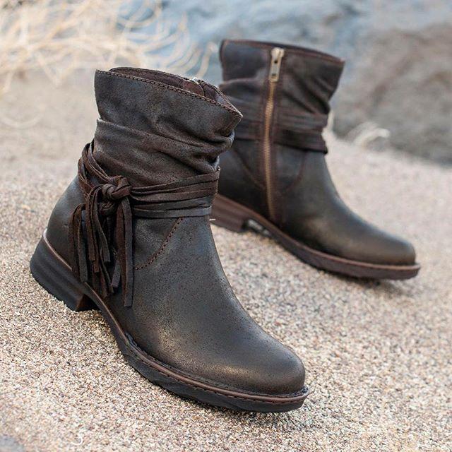 25  best ideas about Born shoes on Pinterest | Women's sandals ...