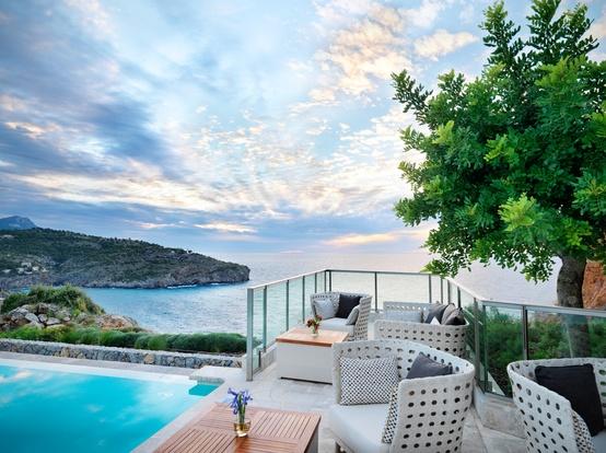 Jumeirah Port Soller Hotel & Spa - Infinity Pool Bar terrace with views