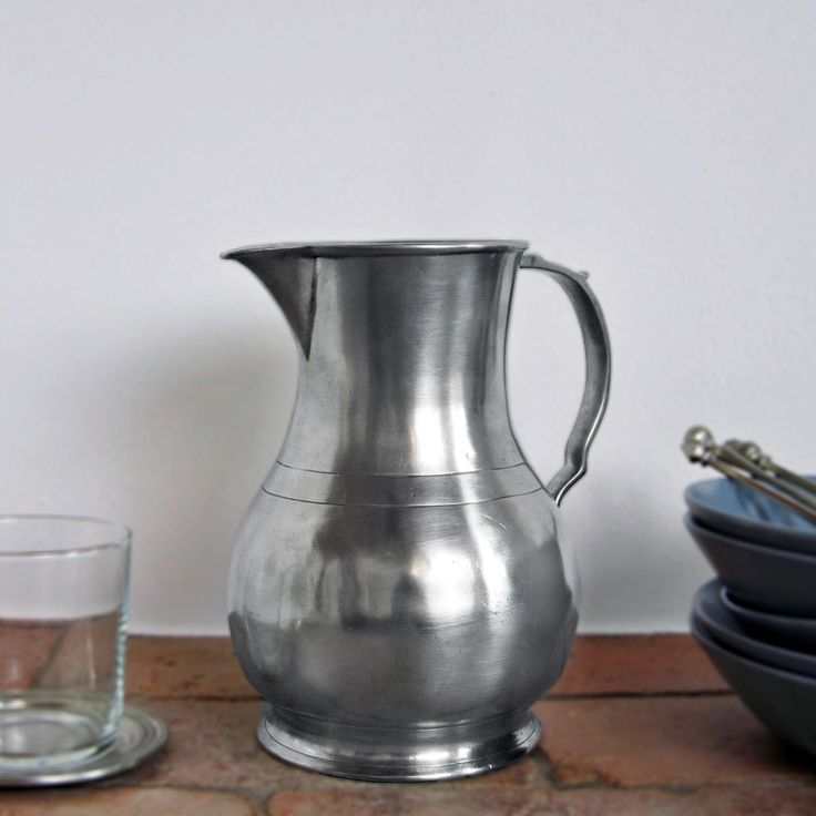Pewter Pitcher - Height: 21 cm (8,3″) - Food Safe Product - #jug #pitcher #pewter #brocca #caraffa #peltro #krug #zinn #zinnkrug #étain #etain #peltre #tinn #олово #оловянный #tableware #dinnerware #drinkware #table #accessories #decor #design #bottega #peltro #GT #italian #handmade #made #italy #artisans #craftsmanship #craftsman #primitive #vintage #antique