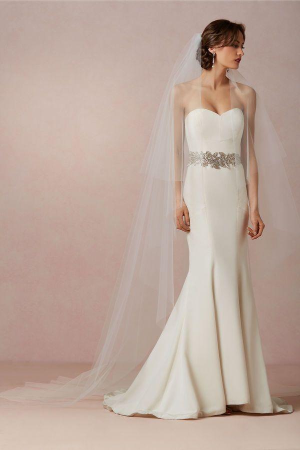 Low Back Wedding Dress With Veil : Ideas about trumpet dress on monique