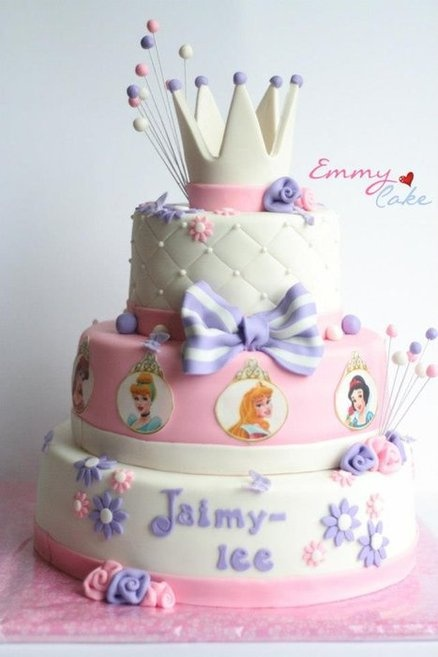 princess cake Cake by emmylovescake
