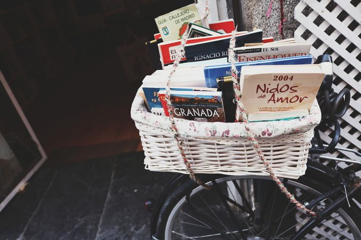 https://flic.kr/p/LN5TbL | Let's pack our favourite books and let´s go!