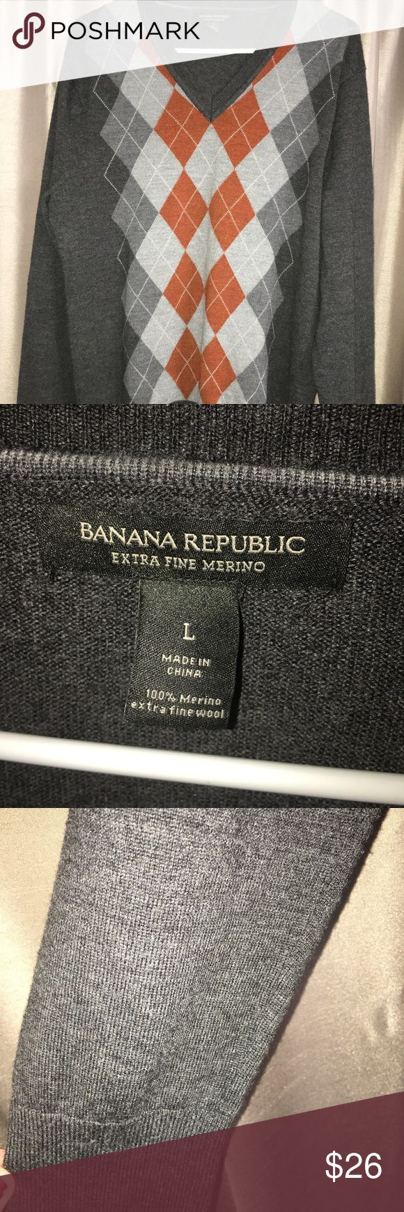 Banana republic fine merino wool argyle sweater EUC- Flawless. Worn once for Holiday pics by my son. No pilling, or issues as shown in the pictures. ✅ Serious offers considered!  📦📫 Same or nextday shipping from Tennessee. 🎸 (Weekends and holidays excluded) Banana Republic Sweaters V-Neck