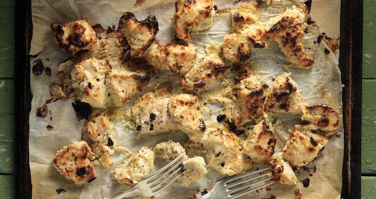 Ψητό κοτόπουλο με ταχίνι και ξινόγαλο