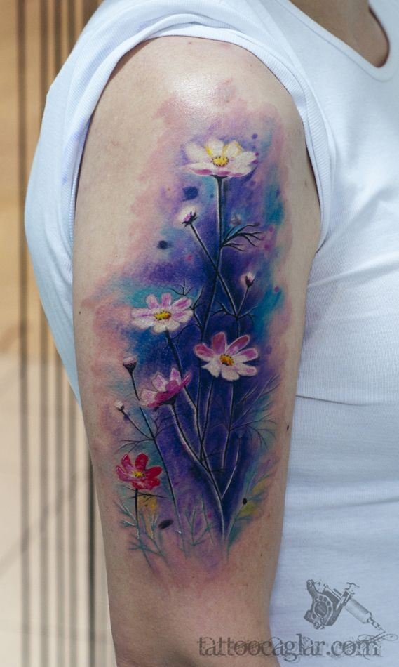 10 Floral Tattoo Artists You Could Trust Your Skin To: Top 14 Famous Medium-Size Watercolor Tattoos