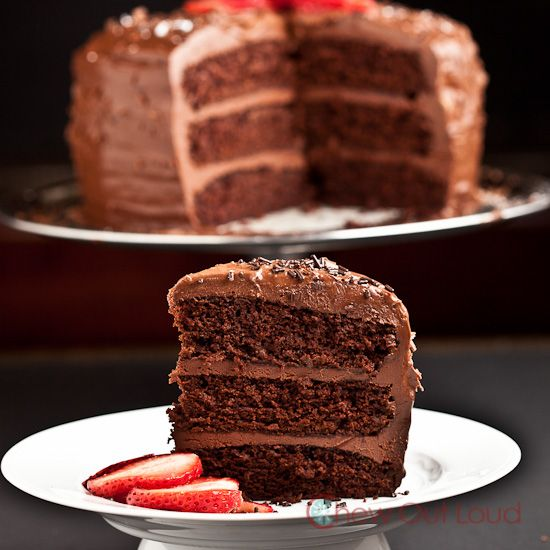 One-Bowl Chocolate Cake (Vegan) - This superbly easy chocolate cake is ...
