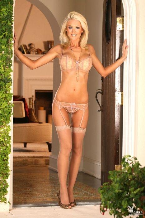 Ashley Lowe Nude 37