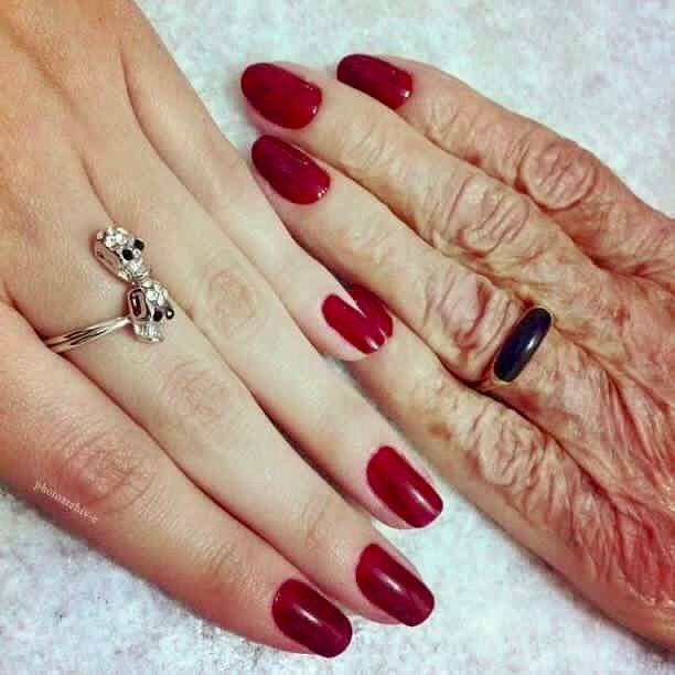 Desertrose ﺻﺮﺕ ﻳﺎ ﺃﻣﻲ أﺷﺘﺎﻕ لطفولتي أﻛﺜﺮ أﺷﺘﺎﻕ ﻟﺒﺴﺎﻃﺔ ﺍﻷﻳﺎﻡ ﻓﻲ ﺑﻴت ﺟﺪﻱ أﺷﺘﺎﻕ ﺍﻟﻮﻗﺖ ﻫﻨﺎﻙ ﻭ أﻧﺖ ﺍﺷﺘﺎﻕ ﺃﻧﺎ ﺍﻟـ ﺻﻐﻴ Colorful Nail Designs Manicure Nails