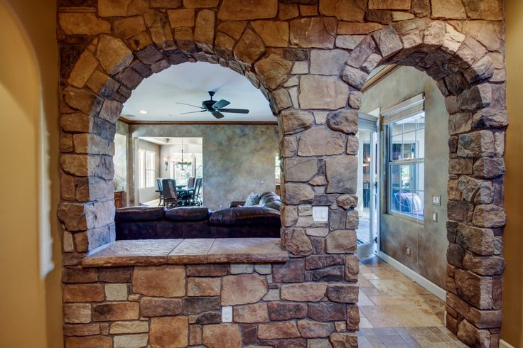Entrance, versaille, stone