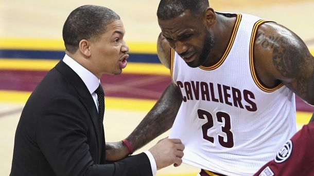 CLEVELAND, OH - JUNE 10:  Head coach Tyronn Lue of the Cleveland Cavaliers talks to LeBron James #23 of the Cleveland Cavaliers against the Golden State Warriors in Game 4 of the 2016 NBA Finals at Quicken Loans Arena on June 10, 2016 in Cleveland, Ohio. NOTE TO USER: User expressly acknowledges and agrees that, by downloading and or using this photograph, User is consenting to the terms and conditions of the Getty Images License Agreement.  (Photo by Jason Miller/Getty Images)