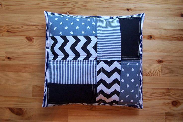 Polštář-patchwork - šedočerný