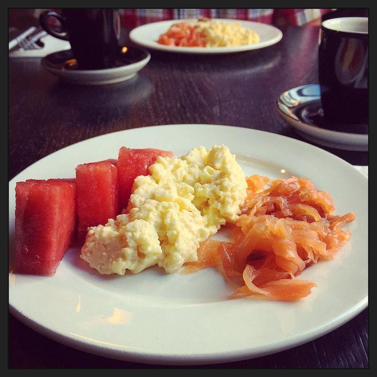 #hotelontbijtje... (Geen fan van zachte spekblokjes dus zalm vandaag! ) #myview #hotel #rust #foodporn #breakfast