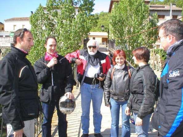 Zax, José, Ignació, Neus, Esther y Moreno en Puente de Montañana. 2003 #puentedemontañana #viajesyrutasenmoto