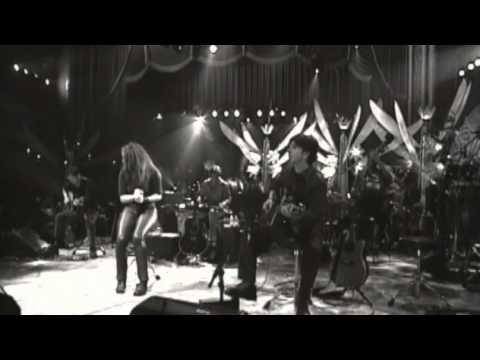 """Shakira - """"Moscas En La Casa"""" (MTV Unplugged)"""