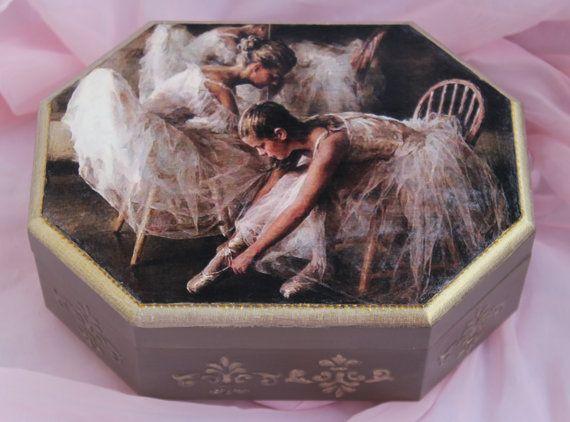 Ballerina jewelry box girls jewelry box ballet by BellesAmiesDecor #jewelrybox #ballerinabox