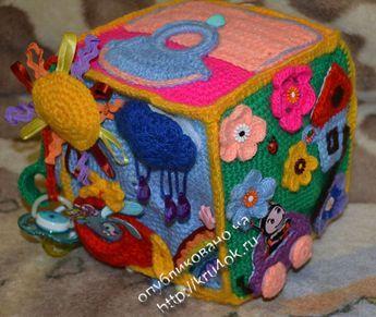 Spiel Würfel häkeln - viele Bilder... tolle Idee... schaut mal ;O) crochet play cube...