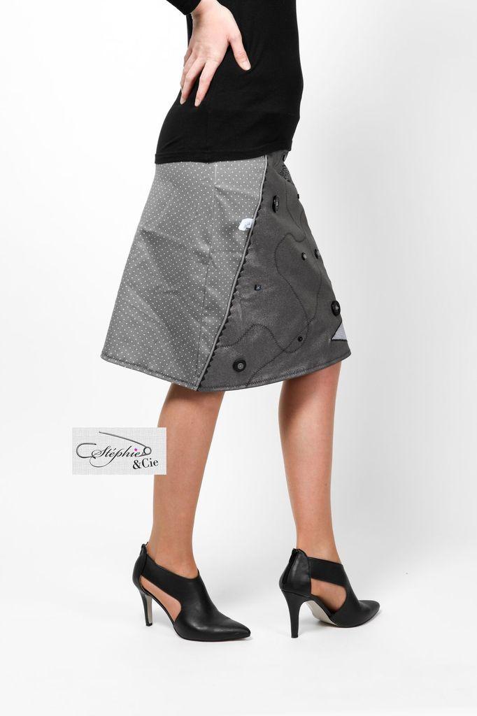 Jupe trapeze patchwork #diy #tuto #tutoriel #tutoriales  #modele #coutureaddict #couture #coutureaddict #couturefacile #jupe #femme #mode #tendance #desigual #originaldesign #unique #facile