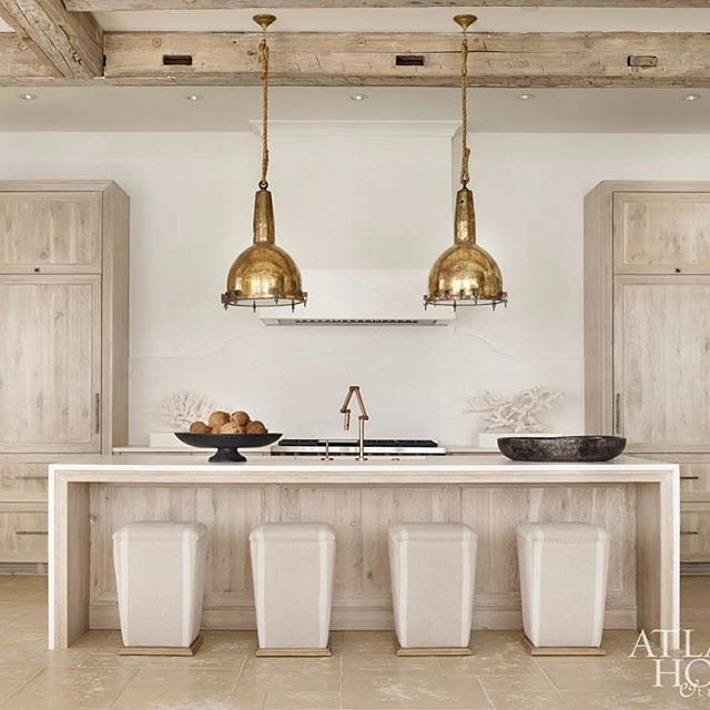 Another one of our favorite kitchens featuring natural wood cabinetry. This one is designed by the talented @melanieturnerinteriors. Head to the blog to see more.