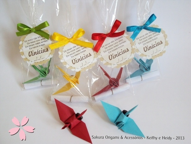 Lembrancinhas ímã de tsuru baby - Sakura Origami & Acessórios - http://blog.sakuraorigami.com.br/2013/05/lembrancinhas-ima-de-tsuru-baby.html #origami #lembrancinha #maternidade
