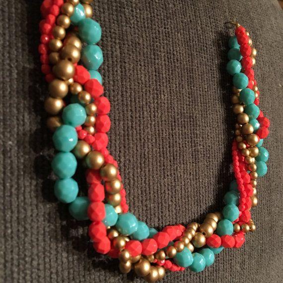 Corallo, verde acqua e oro intrecciato collana perfetto per damigelle o una notte fuori. Messaggio per i colori personalizzati!   Scopri altri
