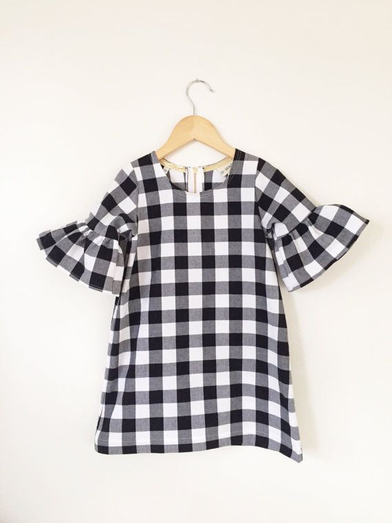 Cotton dress in black and white check // toddler dress // baby dress // girls clothing // holiday dress // bell sleeve dress // party dress