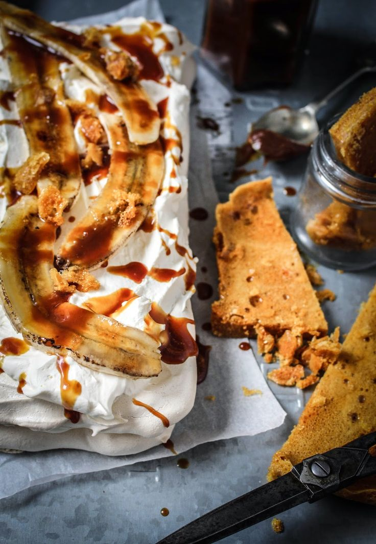 Who knew brown sugar would make a great such a meringue. It creates such a wonderful flavour, and that paired with the bananas, honeycomb and