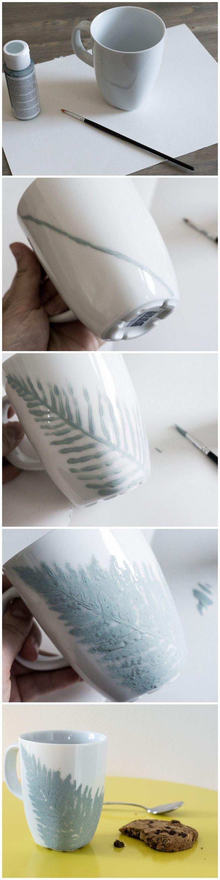 DIY mug with a fern frond made of mintgreen chalk paint | DIY Kreidefarbe Tasse mit floralem Farn Motiv