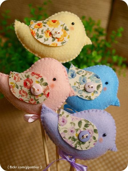 felt birds.. so cute for a Spring/Easter wreath or baby shower