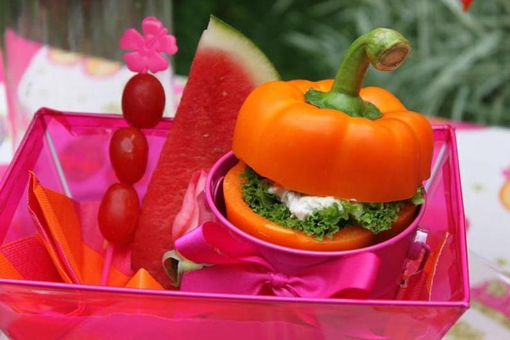 good ideaParties Menu, Chicken Salad, Veggies Sandwiches, Belle Peppers, Summer Parties, Flops Summer, Parties Ideas, Summer Lunches, Parties Food