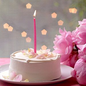 """TLC Cooking """"Simple Decorations for Easy, Beautiful Birthday Cakes"""""""