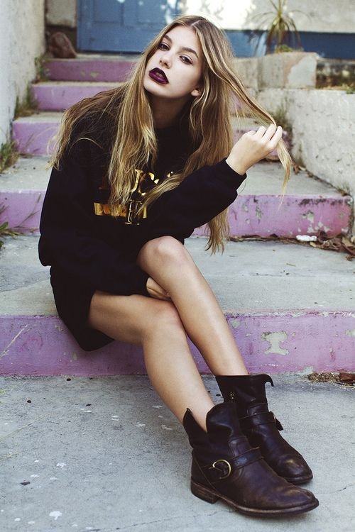 Grunge girl  on lavender steps.  Love her deep dark black red lips and chunky boots.