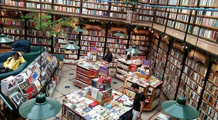 Librería El Péndulo en la Condesa CDMX