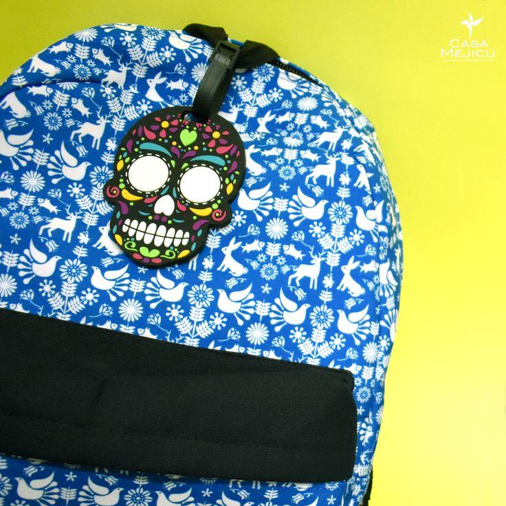 Llavero de calavera azul estilo mexicano con mosquet/ón.