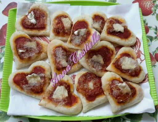 Pizzette senza lievito con impasto al philadelphia