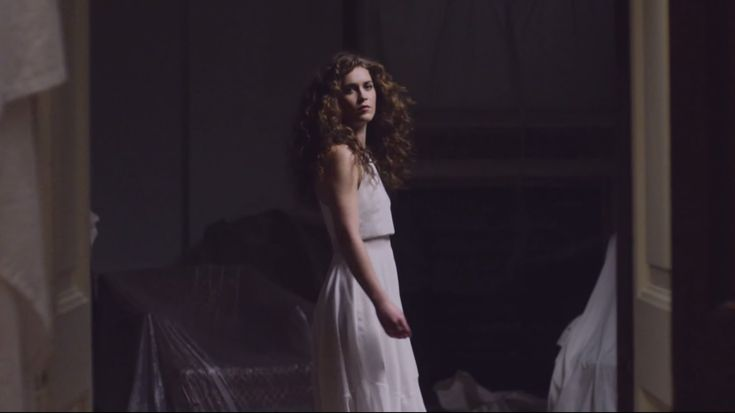 """Rae Morris ~ """"Under The Shadows"""". Quirky, reflective - but awesome - new British artist!"""