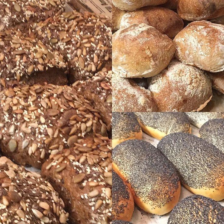Frukostfrallor är klarahjärtligt Välkomna idag mellan 8.00-14.00 #bakery #sockermajas #torslanda #lördagsmys #frukost