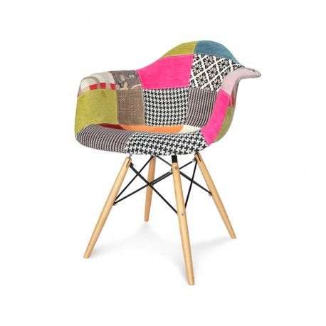 Nowoczesne krzesło tapicerowane z podłokietnikami obszyte materiałem do restauracji jadalni.