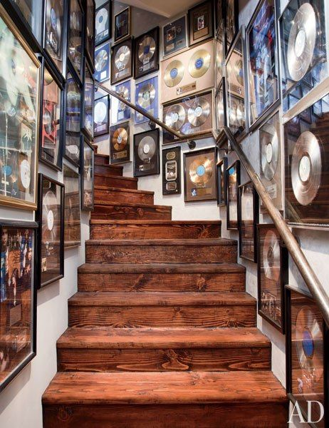 Soon i will be responsible for artist gold and platinum albums, and grammies. Walking by a wall covered with these and knowing i was part of it would be a great feeling. - Motivation