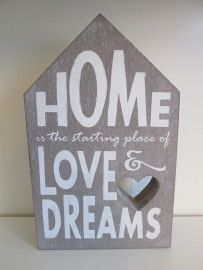 "Tekstblok huis ""Home is"", 25 cm in de kleur taupe  www.hkhomecollection.nl"