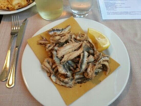 Alici fritte:locanda Dell'olmo. Bosco Marengo