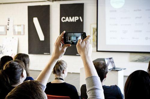 Et fagligt oplæg bliver foreviget på Betacamp \ Berlin.