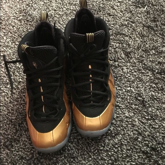Gold foam posites Good condition sneaker 6y Nike Shoes Sneakers