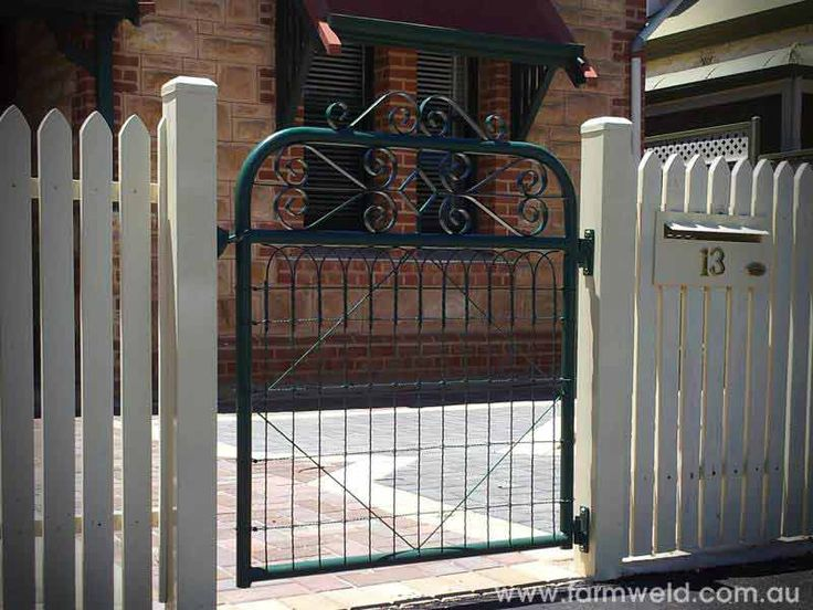 'Kensington' PA gate with emu wire and ornamental scrolls adds character to this home. Adelaide, South Australia