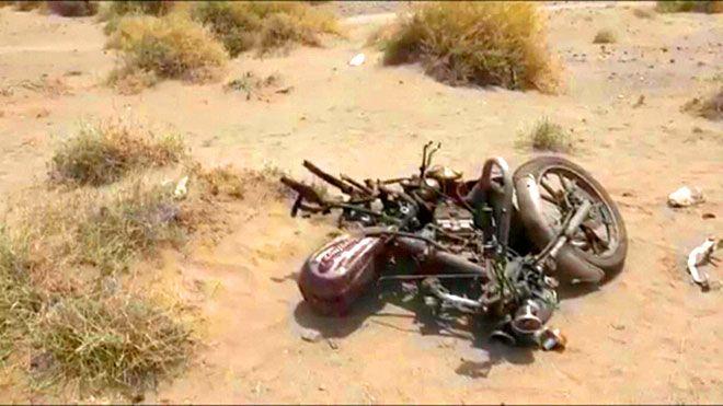 مقتل مواطن بانفجار لغم في الحديدة قتل مواطن إثر انفجار لغم من مخلفات الحوثيين الحديدة انفجار لغم الحوثيين قتلى حيس Www Alayyam Info In 2021 Moped Vehicles