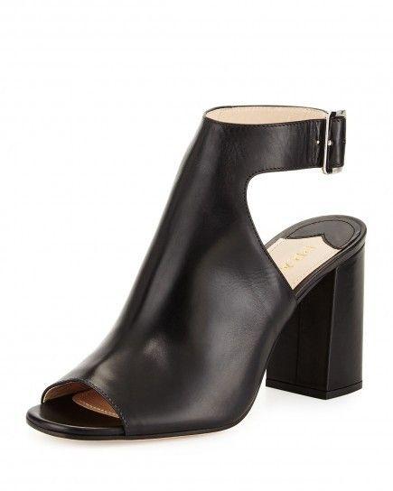 Sandali neri in pelle - Modello in pelle con mezzo tacco dalla collezione di scarpe Prada Primavera/Estate 2015, modello con