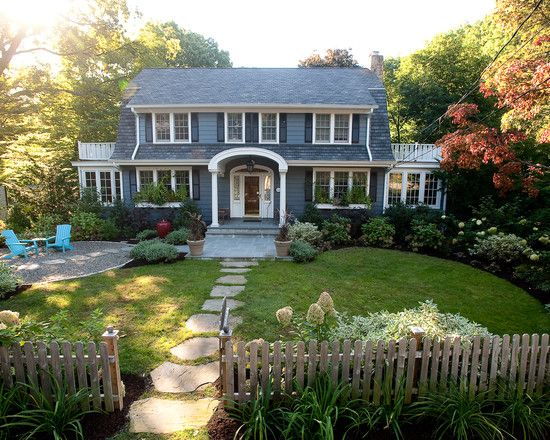 dig up the first layer of your front yard and install continuous flagstone steps from the sidewalk to the house for an eye pleasing path - Garden Design Front Of House