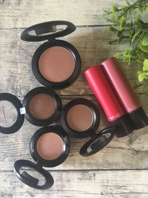 Melanie's Nook: Review : MAC Goodies