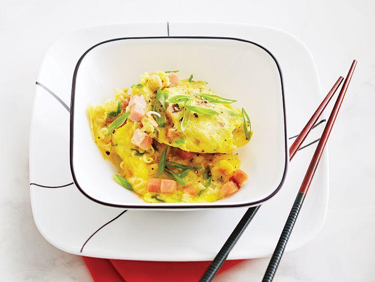 Les économiques nouilles instantanées sont tendres dans les soupes et les sautés ou croustillantes avec un goût de noisette dans les salades.