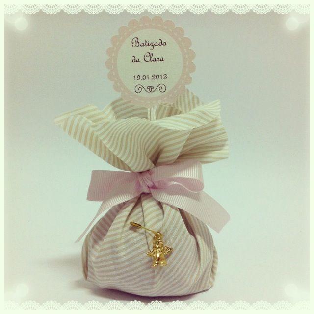 Trouxinhas de amêndoas para o batizado da Clarinha! Almonds sweet pouch for christening !