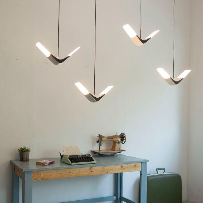Schar Seemöwen Still Flight light design - inspirierte die Designer von xcellent Lighting so zu Flight.